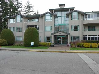 Photo 1: 304 1569 EVERALL STREET: White Rock Condo for sale (South Surrey White Rock)  : MLS®# R2222220