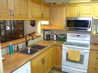 Photo 7: 304 1569 EVERALL STREET: White Rock Condo for sale (South Surrey White Rock)  : MLS®# R2222220