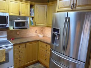 Photo 8: 304 1569 EVERALL STREET: White Rock Condo for sale (South Surrey White Rock)  : MLS®# R2222220