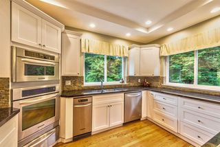 """Photo 6: 131 FERN Drive: Anmore House for sale in """"ANMORE ESTATES"""" (Port Moody)  : MLS®# R2239756"""