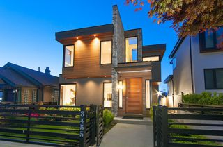 Photo 1: 3455 Triumph Streets in Vancouver: House for sale : MLS®# R2168018