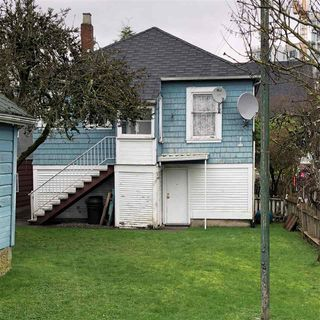 Photo 2: 2118 E 32ND Avenue in Vancouver: Victoria VE House for sale (Vancouver East)  : MLS®# R2244010