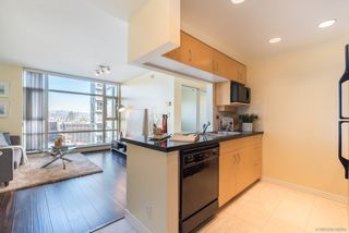 "Photo 4: 2903 198 AQUARIUS Mews in Vancouver: Yaletown Condo for sale in ""AQUARIUS II"" (Vancouver West)  : MLS®# R2251454"