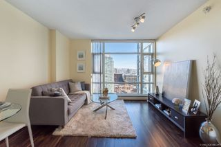"Photo 1: 2903 198 AQUARIUS Mews in Vancouver: Yaletown Condo for sale in ""AQUARIUS II"" (Vancouver West)  : MLS®# R2251454"