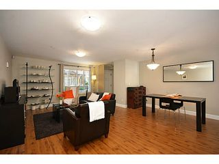 Photo 3: 103 423 EIGHTH STREET in Uptown NW: Home for sale : MLS®# V1111228