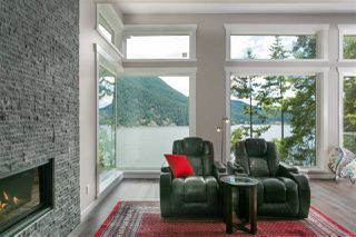 Photo 5: 304 SASAMAT Lane in North Vancouver: Woodlands-Sunshine-Cascade House for sale : MLS®# R2283850