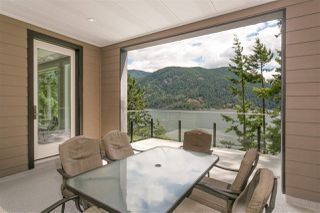 Photo 2: 304 SASAMAT Lane in North Vancouver: Woodlands-Sunshine-Cascade House for sale : MLS®# R2283850