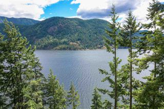 Photo 1: 304 SASAMAT Lane in North Vancouver: Woodlands-Sunshine-Cascade House for sale : MLS®# R2283850