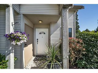 "Photo 2: 1 98 BEGIN Street in Coquitlam: Maillardville Townhouse for sale in ""Le Parc"" : MLS®# R2285270"