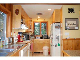 Photo 2: 372 EAGLES NEST ROAD in Bowen Island: Home for sale : MLS®# V1093421