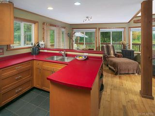 Photo 10: 684 Shawnigan Lake Rd in MALAHAT: ML Malahat Proper House for sale (Malahat & Area)  : MLS®# 798583