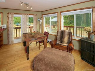 Photo 11: 684 Shawnigan Lake Rd in MALAHAT: ML Malahat Proper House for sale (Malahat & Area)  : MLS®# 798583
