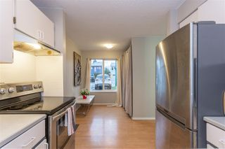 "Photo 3: 881 PINEBROOK Place in Coquitlam: Meadow Brook House 1/2 Duplex for sale in ""MEADOWBROOK"" : MLS®# R2329435"