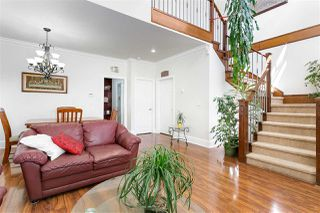 Photo 3: 3749 FOREST Street in Burnaby: Burnaby Hospital House 1/2 Duplex for sale (Burnaby South)  : MLS®# R2343053
