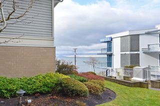 "Photo 18: 110 15621 MARINE Drive: White Rock Condo for sale in ""PACIFIC POINT"" (South Surrey White Rock)  : MLS®# R2348468"