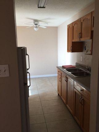 Photo 3: 205 3720 118 Avenue in Edmonton: Zone 23 Condo for sale : MLS®# E4147802