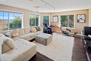 Photo 19: 4892 Lochside Dr in VICTORIA: SE Cordova Bay Single Family Detached for sale (Saanich East)  : MLS®# 809278