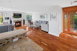 Photo 10: 4892 Lochside Dr in VICTORIA: SE Cordova Bay Single Family Detached for sale (Saanich East)  : MLS®# 809278
