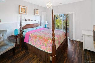 Photo 15: 4892 Lochside Dr in VICTORIA: SE Cordova Bay Single Family Detached for sale (Saanich East)  : MLS®# 809278