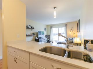Photo 12: 204 33 N TEMPLETON Drive in Vancouver: Hastings Condo for sale (Vancouver East)  : MLS®# R2361310