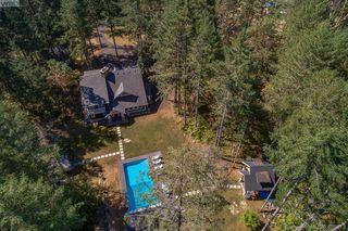 Photo 3: 3220 Eagles Lake Rd in VICTORIA: Hi Eastern Highlands House for sale (Highlands)  : MLS®# 812574
