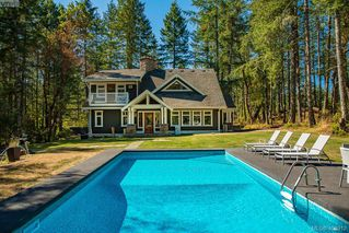 Photo 1: 3220 Eagles Lake Rd in VICTORIA: Hi Eastern Highlands House for sale (Highlands)  : MLS®# 812574