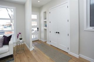 Photo 2: 10420 138 Street NW in Edmonton: Zone 11 House for sale : MLS®# E4158839