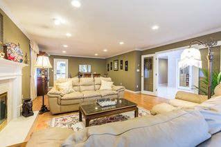 Photo 3: 7071 BUTTERMERE Place in Richmond: Broadmoor House for sale : MLS®# R2378216
