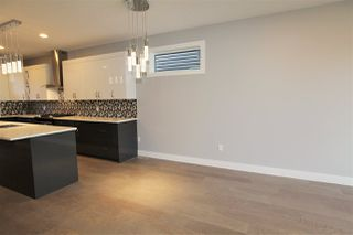 Photo 9: 11027 132 Street NW in Edmonton: Zone 07 House for sale : MLS®# E4130185