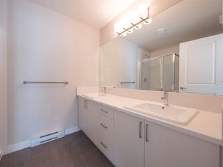 Photo 7: 1 7169 208A Street in Langley: Willoughby Heights Townhouse for sale : MLS®# R2405176