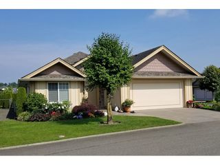 "Photo 1: 6 3348 MT LEHMAN Road in Abbotsford: Abbotsford West Townhouse for sale in ""Eden Court"" : MLS®# R2409741"