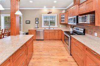 Photo 5: 2278 Setchfield Avenue in VICTORIA: La Bear Mountain Single Family Detached for sale (Langford)  : MLS®# 420891