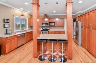 Photo 3: 2278 Setchfield Avenue in VICTORIA: La Bear Mountain Single Family Detached for sale (Langford)  : MLS®# 420891
