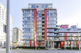 Main Photo: 518 38 W 1ST Avenue in Vancouver: False Creek Condo for sale (Vancouver West)  : MLS®# R2439087