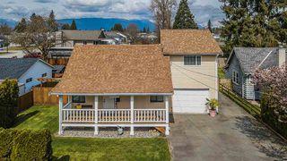 Photo 1: 20565 WESTFIELD Avenue in Maple Ridge: Southwest Maple Ridge House for sale : MLS®# R2449573
