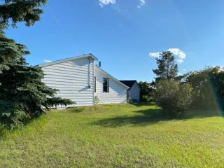 Photo 16: 103 53 Street in Chauvin: Wainwright House for sale (MD of Wainwright)  : MLS®# A1012462