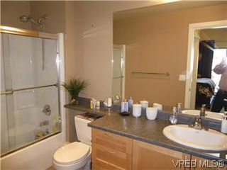 Photo 9: 302 627 Brookside Rd in VICTORIA: Co Latoria Condo Apartment for sale (Colwood)  : MLS®# 582794