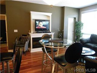 Photo 4: 302 627 Brookside Rd in VICTORIA: Co Latoria Condo for sale (Colwood)  : MLS®# 582794