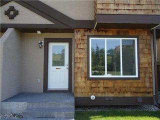 Photo 2: 1 819 McDOUGALL Road NE in CALGARY: Bridgeland Townhouse for sale (Calgary)  : MLS®# C3499703