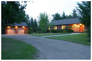 Photo 1: 5521 NW 10 AVE in Salmon Arm: NW House for sale : MLS®# 10058089