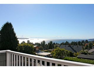 Photo 17: 1373 20TH Street in West Vancouver: Ambleside House for sale : MLS®# V1030085