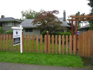 Photo 12: 355 E 15TH Street in North Vancouver: Central Lonsdale House for sale : MLS®# V1031212