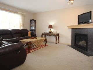 Photo 2: 4 SOMERSIDE Bay SW in CALGARY: Somerset Residential Detached Single Family for sale (Calgary)  : MLS®# C3613424