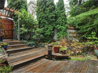 Photo 2: 54 Falstaff Pl in VICTORIA: VR Glentana House for sale (View Royal)  : MLS®# 684720