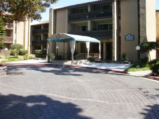 Photo 4: PACIFIC BEACH Condo for sale : 2 bedrooms : 1855 Diamond St. #213 in San Diego