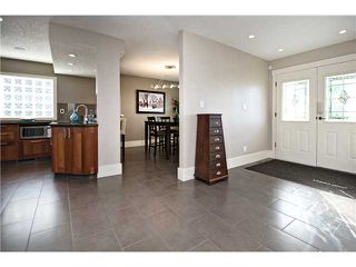 Photo 3: 3216 LANCASTER Way SW in Calgary: Lakeview House for sale : MLS®# C3654257