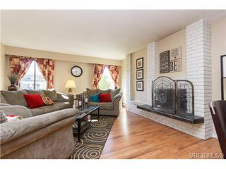 Photo 2: 8 3060 Harriet Rd in VICTORIA: SW Gorge Row/Townhouse for sale (Saanich West)  : MLS®# 714815