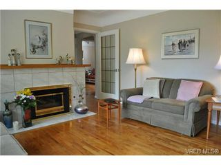 Photo 3: 1833 Gonzales Avenue in VICTORIA: Vi Fairfield East Single Family Detached for sale (Victoria)  : MLS®# 364321