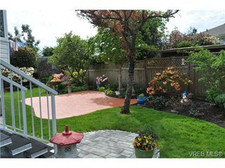 Photo 12: 1833 Gonzales Avenue in VICTORIA: Vi Fairfield East Single Family Detached for sale (Victoria)  : MLS®# 364321