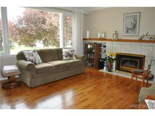 Photo 2: 1833 Gonzales Avenue in VICTORIA: Vi Fairfield East Single Family Detached for sale (Victoria)  : MLS®# 364321